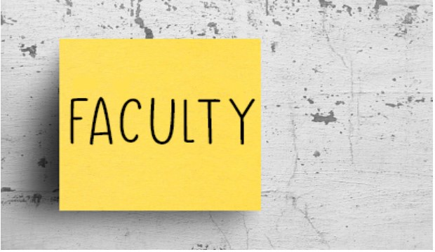 Post-It note with the word Faculty