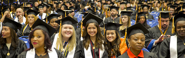 commencement-graduate crowd