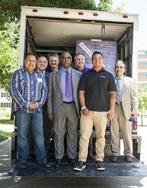Yahoo! delivers computers to UTA